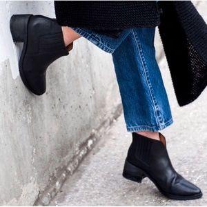 Madewell Black Joni Chelsea Ankle Booties size 7